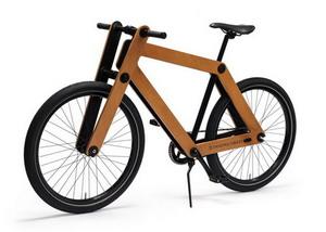 Szendvics kerékpár fából