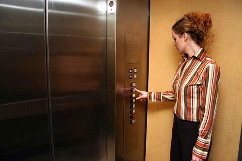 Kötelező liftfelújítás 2020-tól