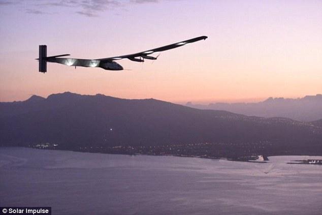Repülés napenergiával