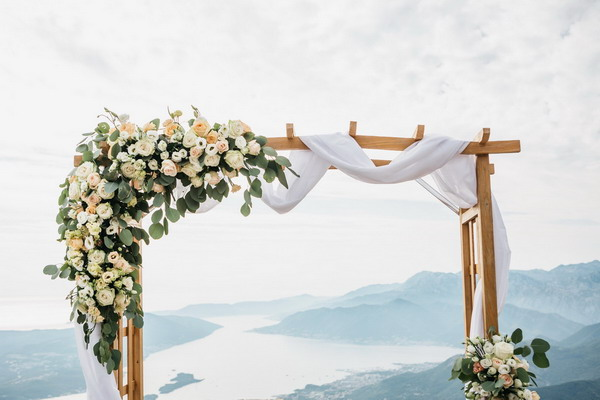 Így születik az esküvői dekoráció házilag