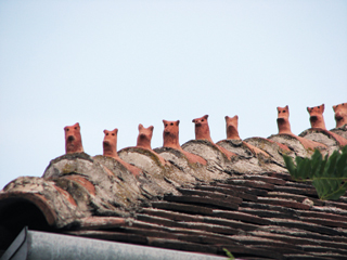 Különleges kúpcserepekkel egyedivé tehető a tető