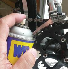 A széles körben használt és kedvelt spray mechanikai szerkezeti részegységek tisztítására és kenésére ideális