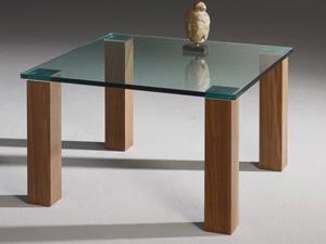 Bútorok üvegből