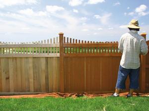 Kerítésfestés