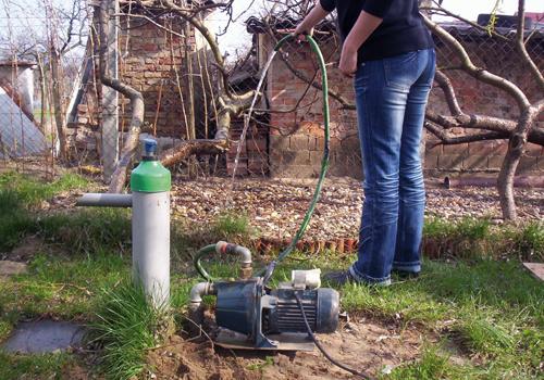 Kézi pumpás kút működése