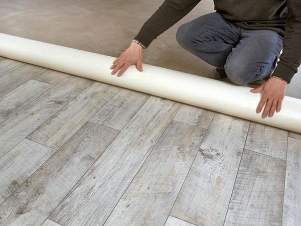 PVC padlók lerakása
