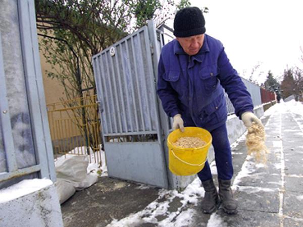 Téli csúszásmentesítés