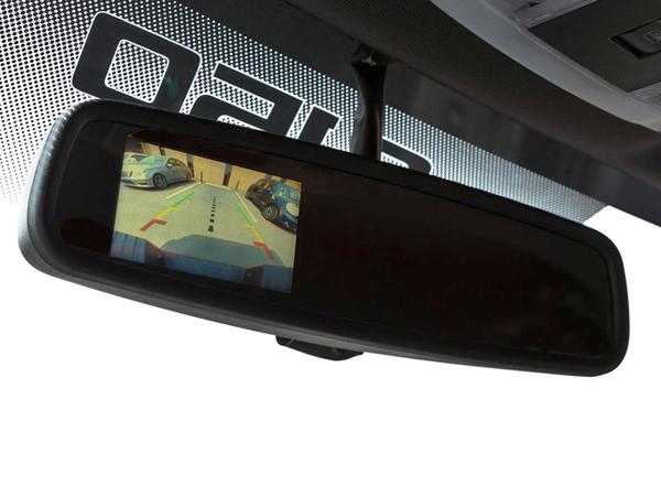 Tolatókamera és radar utólag