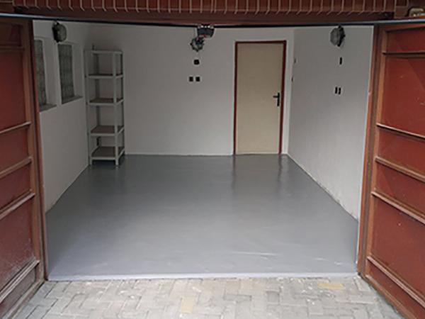 Beton padlók pormentesítése, festése