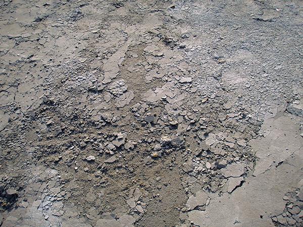 Mitől mállik és porlik a beton felülete