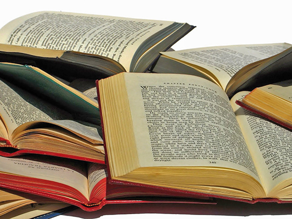 Könyvek tisztítása, javítása