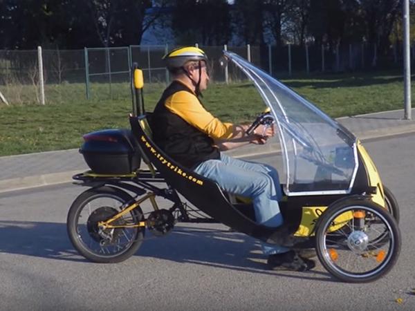 Napenergiás elektromos hibrid kerékpár