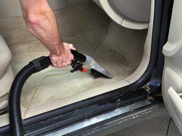 Autók belső takarítása