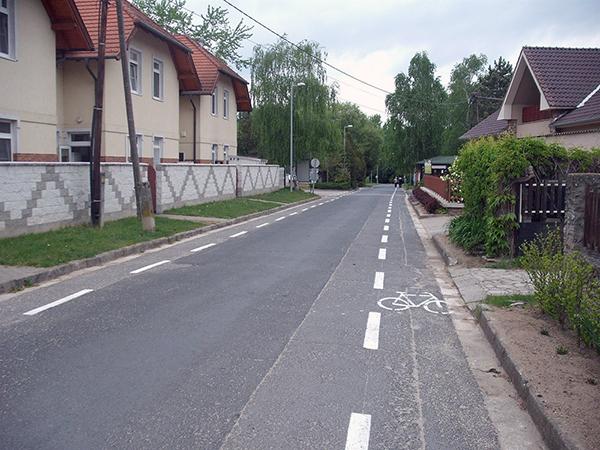 Hogy használjuk a nyitott kerékpársávot