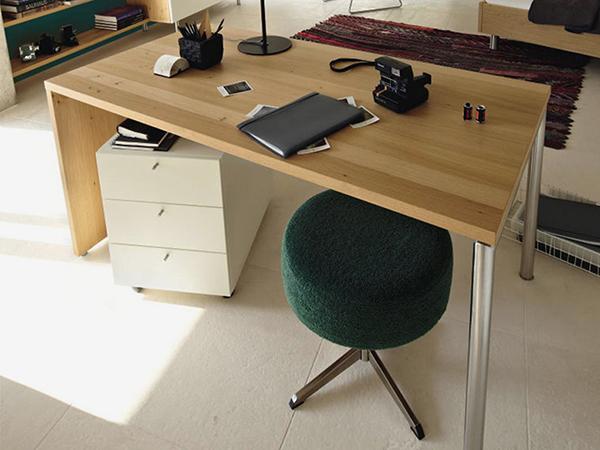 Íróasztal nem csak tanulóknak