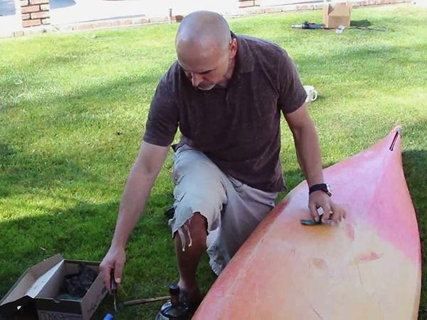 Kis javítások műanyag csónakokon