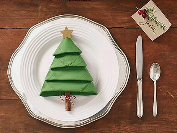 Karácsonyi szalvéta hajtogatása