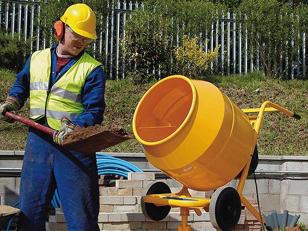 Indul a betonozási szezon