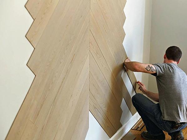 Laminált padló a falon is jól mutat!